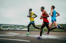 leaders of the marathon running
